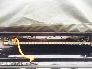 Köksbänken under tältet