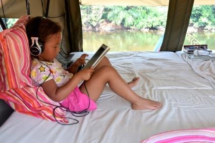 siesta-vid-floden