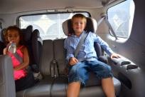 Barnen satt som kungar i Dans Toyota Sequoia