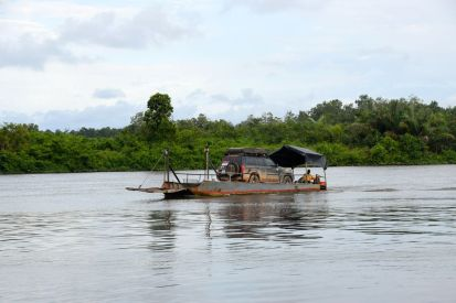 Bilfärja i Gabon