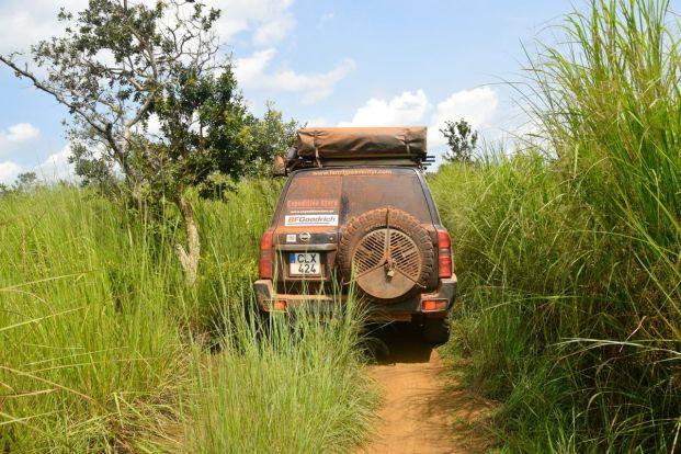 Kongo-K, vägen in i landet