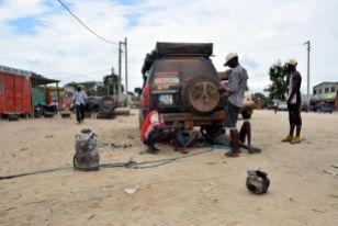 Buchreparation av tanken, Angola